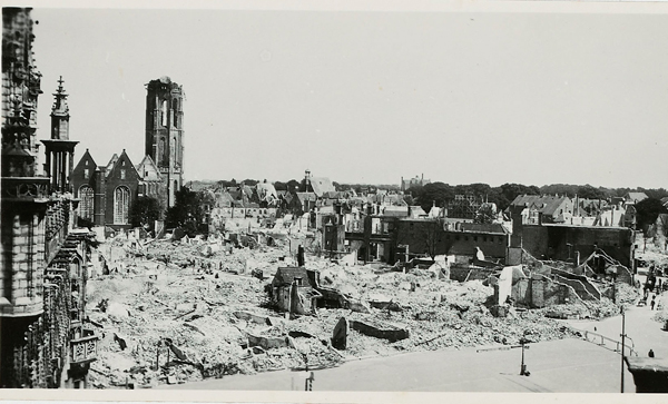 the Middelburg market square after the bombardment