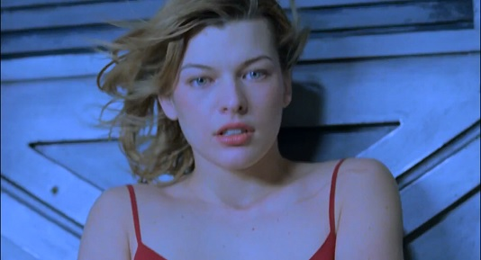 closeup of Alice/Milla Jovovich